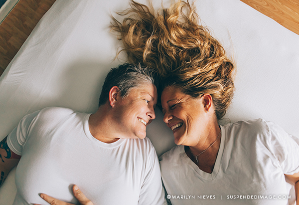 suspendedimage_lesbian_couple_3